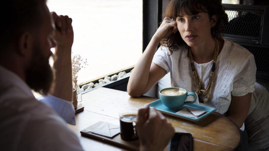 あなたは人と会って何を話しますか?